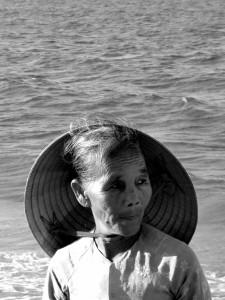Bagnanti sulla spiaggia di Hoi An