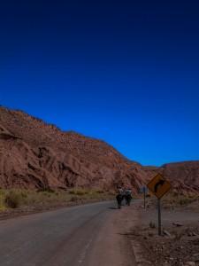 Cavalli a passeggio nel deserto di san Pedro de Atacama, Cile