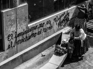 """'El feminismo no és el machismo al révez' 'Feminism is not the opposite of machismo"""""""
